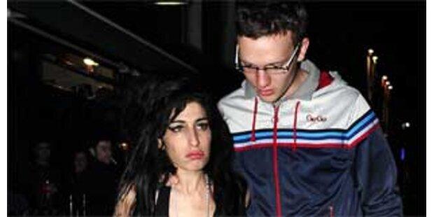 Amy Winehouse will sich scheiden lassen