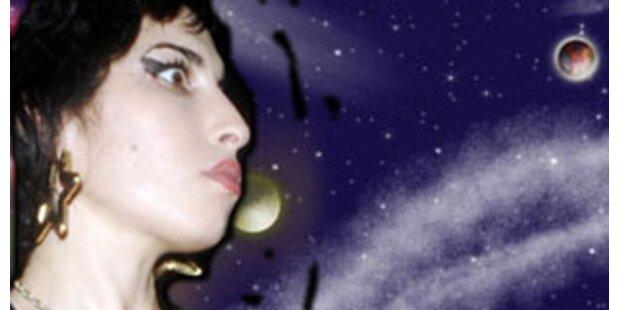 Amy Winehouse als bösartiges Alien