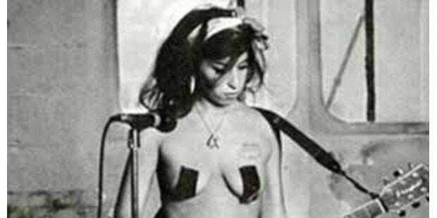 Amy Winehouse ließ sich nackt fotografieren
