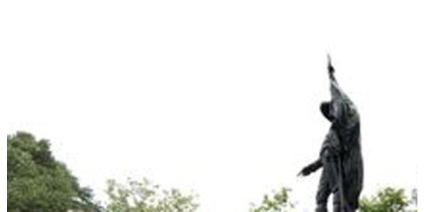 Andreas-Hofer-Denkmal geschändet