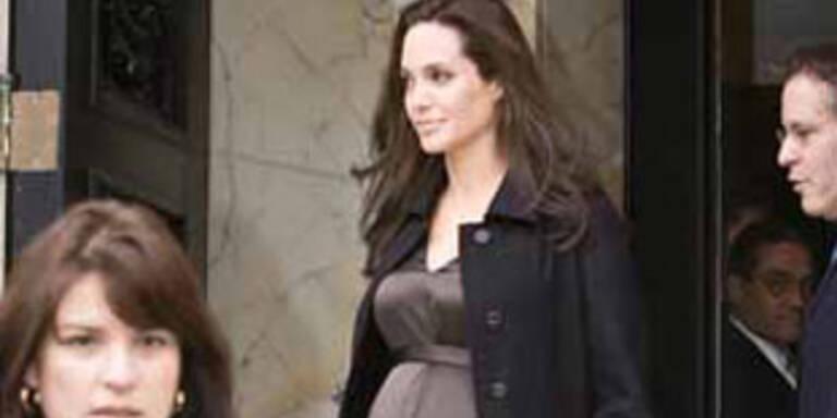 Angelina Jolie strahlt so schön wie nie.