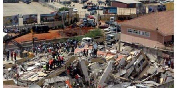 30 Tote bei Hauseinsturz in Luanda