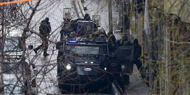 Frauen nach Angriff auf Polizei getötet