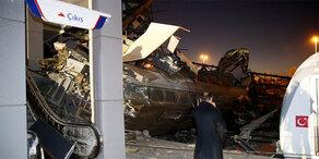 Zugunglück in Türkei: Mehrere Tote