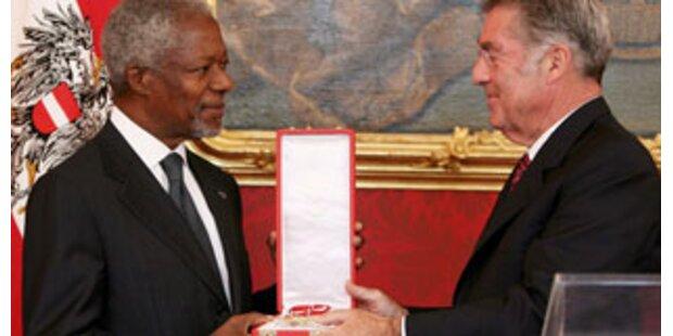 Österr. Ehrenzeichen für Kofi Annan