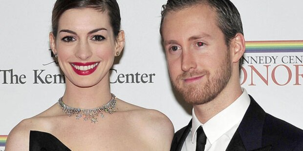 Hathaway: Streit wegen Hochzeits-Planung