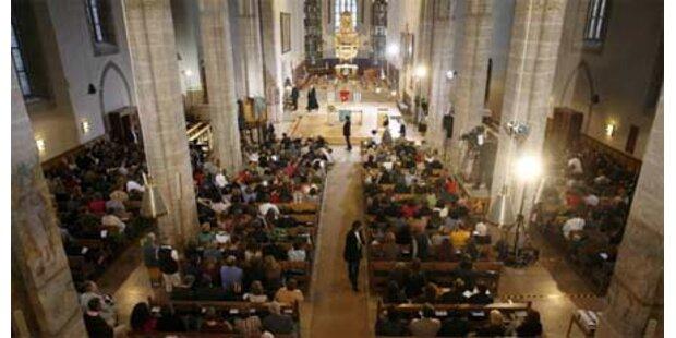 1.000 Menschen bei Ansbach-Trauerfeier