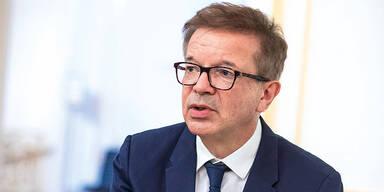 Gesundheitsminister Rudolf Anschober - Ueber 6.000 Faelle an Neuinfektionen trotz Lockdown