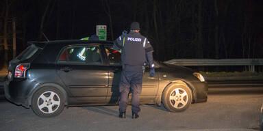 Lenker zückt Waffe bei Polizei-Kontrolle