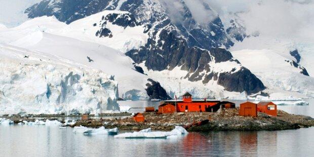 300 Meter tiefes Loch in der Antarktis