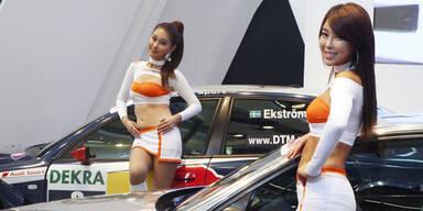Die heißesten Girls der IAA 2011 - mit Voting