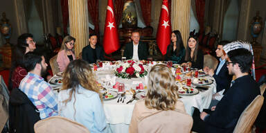 Fastenbrechen: Özil speist mit Präsident Erdogan