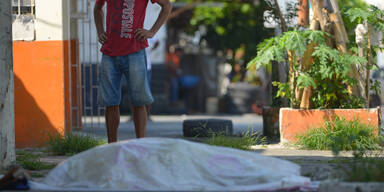 Ecuador: Leichen auf den Straßen, Bestattungsunternehmen überfordert