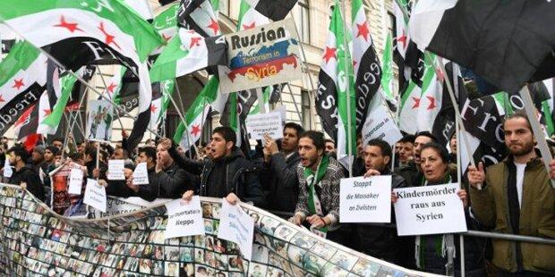 Syrer-Demo legt Wiener City lahm