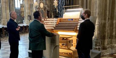 Schwarzenegger als Organist im Wiener Stephansdom