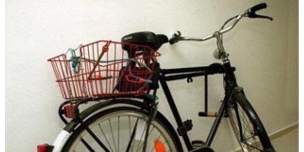 Frau verunglückt mit Fahrrad tödilch