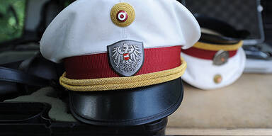Rentner schlägt Polizist Nase blutig