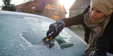 Winter Frost Eis Raureif Auto Scheibe kratzen