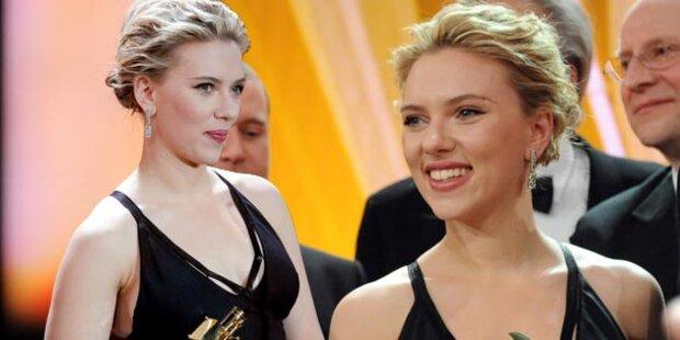 Goldene Kamera: Sexy Scarlett kam solo