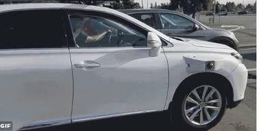 Erster Crash mit Apples Roboter-Auto