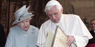 Papst beginnt seine heikle Mission