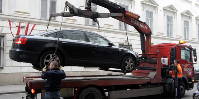 Nun werden auch teure Autos abgeschleppt