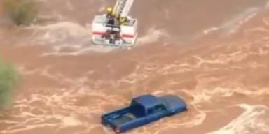 Hochwasser in Arizona: Rettung mit Helikopter