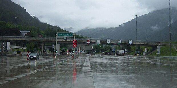 Arlbergschnellstraße nach Lkw-Crash gesperrt