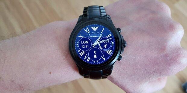 Armani-Smartwatch im oe24.at-Test