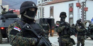 Serbien setzt Armee in Gefechts-Bereitschaft