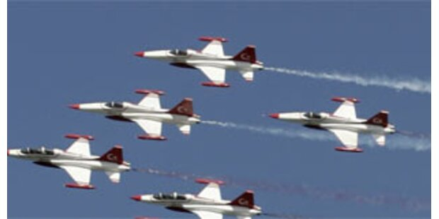 Türkische Armee fliegt erneut Angriffe gegen PKK