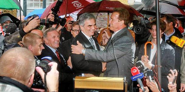 Arnold Schwarzenegger eröffnet sein Museum