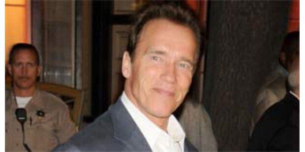 Gefängniswärter wollen Arnie aus dem Amt jagen