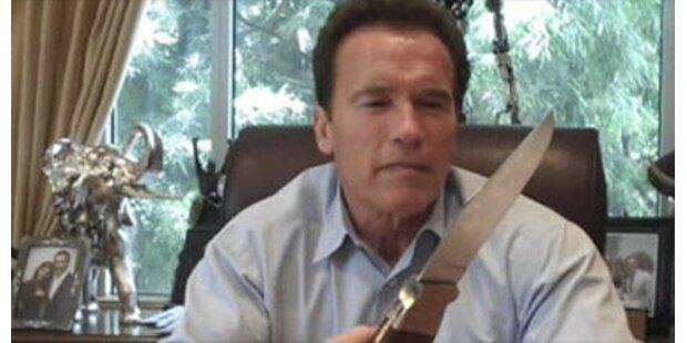 Arnie zückt Jagdmesser zur Budgetkrise