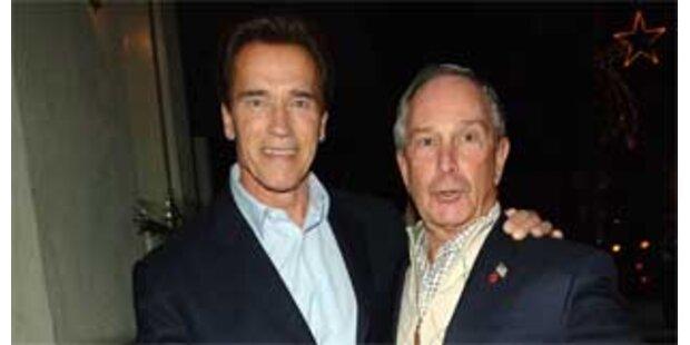 Arnie als Bloombergs Wahlhelfer