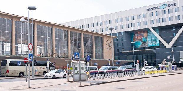 Polizei belagert Westbahnhof