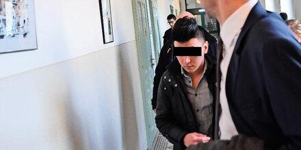 """""""Bin müde"""": Afghane schwänzte Prozess"""