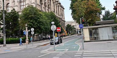 Teenie niedergestochen Ring Wien City