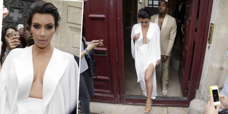 Kim Kardashian lässt sehr tief blicken