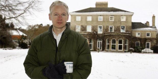 Assange klagt britsche Medien an