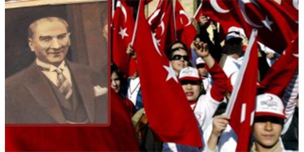 Film entzaubert türkischen Staatsgründer Atatürk