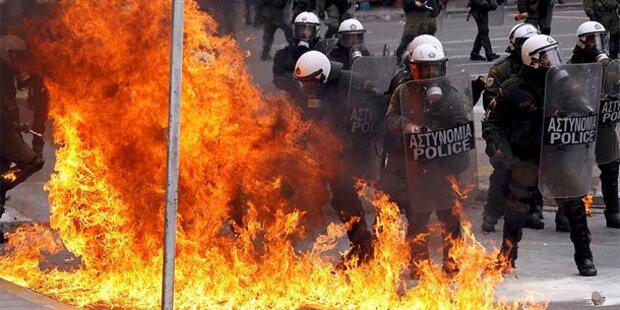 Griechische Rechte und Linke gegen Sparpaket
