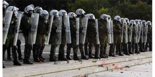 Polizei nimmt 160 Jugendliche fest