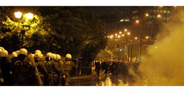 Krawalle bei Demo in Athen