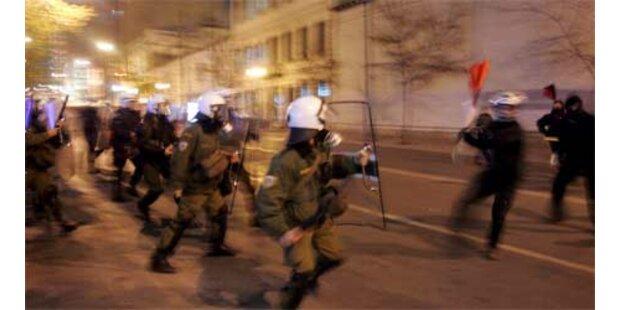 Wieder Ausschreitungen bei Demonstration in Athen