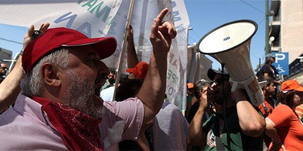 Athen: Tränengas gegen Müllmänner