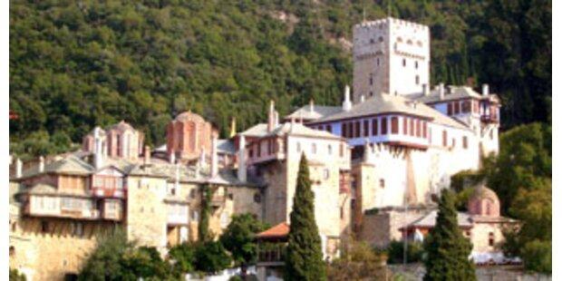 Mönche auf Athos drohen mit Kloster-Sprengung