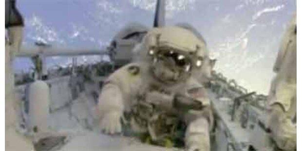Erster Außeneinsatz der Atlantis-Crew