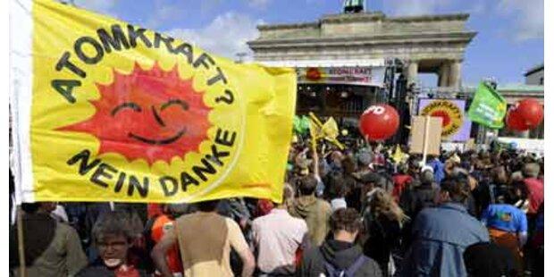 Massen-Protest in Berlin gegen Atomkraft