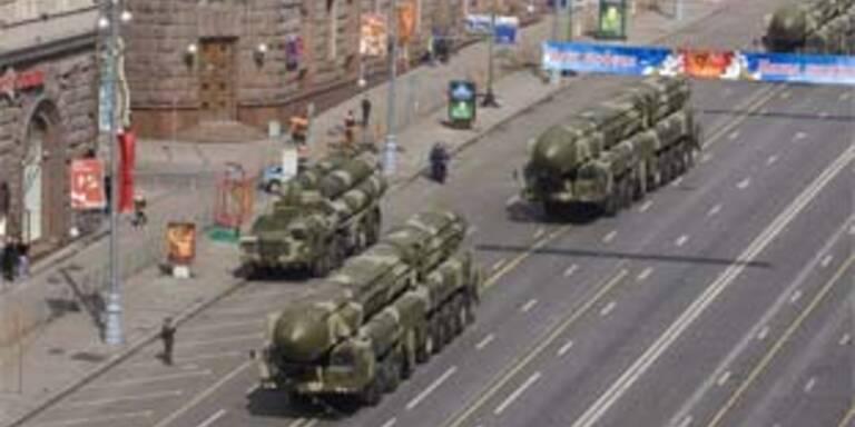 Militärparade für Putin-Nachfolger